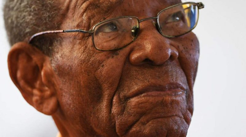 West Indies cricket legend dies aged 95