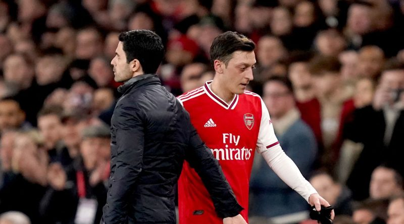 Ozil criticizes Arsenal after being left out in the cold